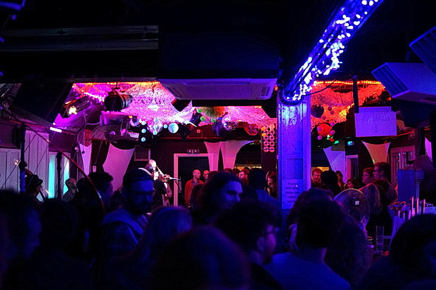 Live music Sundays at Club 414: the best late bar in Brixton