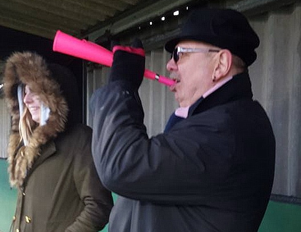 Dulwich Hamlet hold league leaders in murky Bognor 0-0 draw, Saturday 11th February 2017February 2017