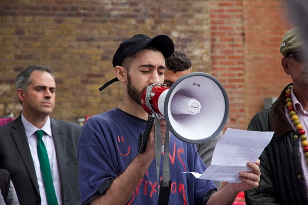 In Photos: Brixton Arches solidarity action, Mon 19th September 2016