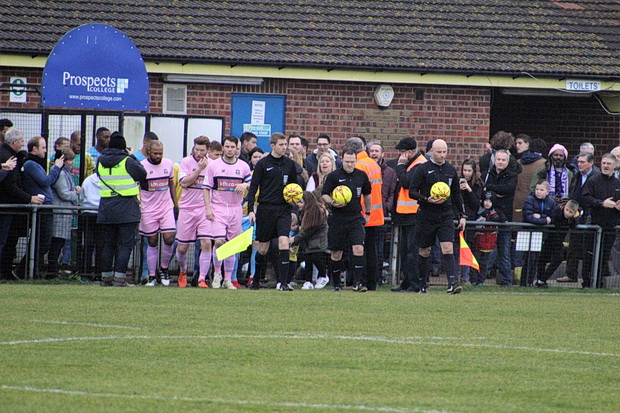 Dulwich Hamlet in Canvey catastrophe, Saturday 7th January 2016