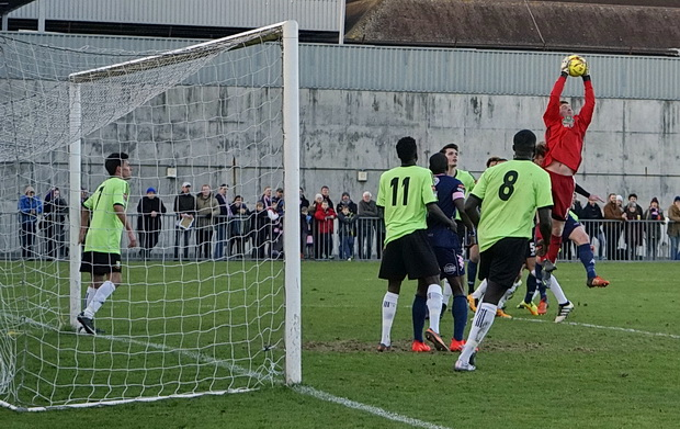 Dulwich Hamlet start the new year with a convincing victory over Hendon, Monday 2nd January 2017