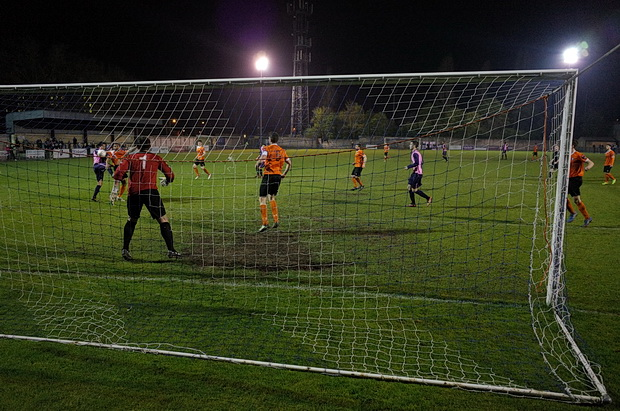 Dulwich Hamlet 1 Bury Town 0, Champion Hill, south London, Tuesday 1st April 2014