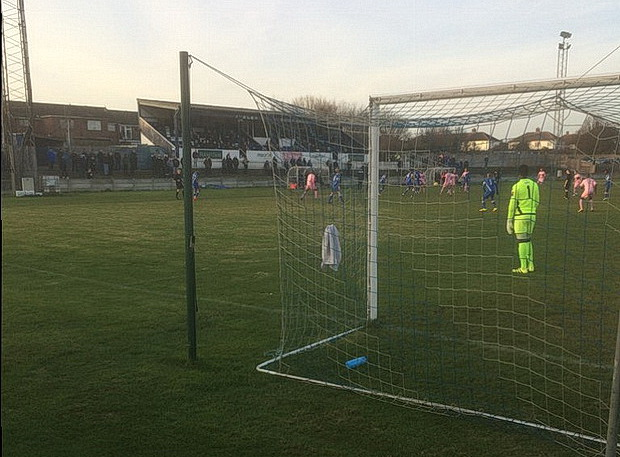 Dulwich Hamlet bag three points from their trip to Grays Athletic, Tues 27th December 2016