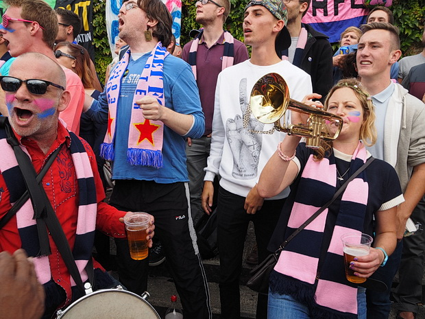 Record breaking crowd of nearly 3,000 at Dulwich Hamlet witness exciting 2-2 draw with Hampton & Richmond Borough, Saturday 6th September, Champion Hill, Dulwich, South London
