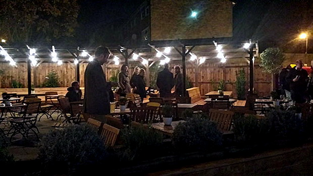 Tulse Hill Hotel relaunch - a south London landmark pub is reopened, Wednesday 19th November 2014