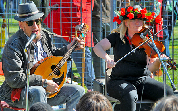 Join in with round the table folk music at the Brixton Windmill today, Sun 12th Feb