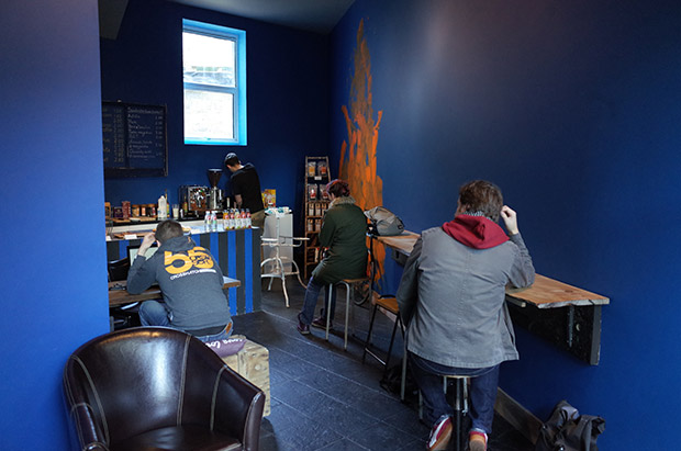 Review: Blue Turtle Oasis coffee house, 210 Coldharbour Lane, Loughborough Junction