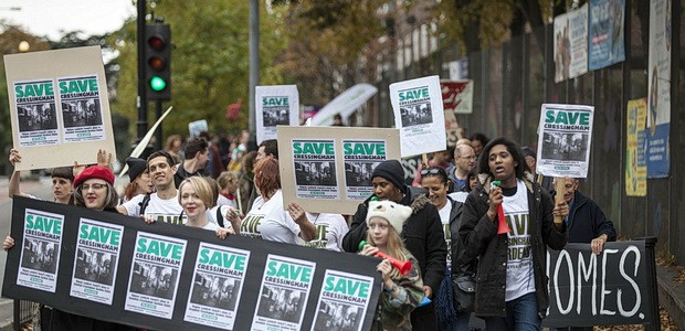 Ahead of tomorrow's march to Lambeth Town Hall by Save Cressingham Gardens campaigners, here's a wonderful set of photosof the first protest that took place last Saturday, 18th October 2014. […]