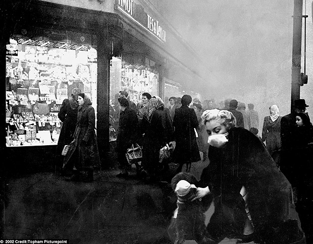 Brixton history: Electric Avenue during the Great Smog of 1952