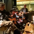 It may have been a Monday night, but there was a lively, late crowd at the Queen's Head's weekly Folk Up night, with a group of acoustic musicians providing some wonderful music.