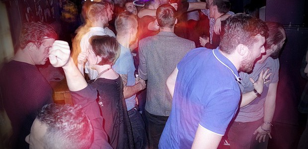 Brixton Buzz is teaming up with Brixton's long running Offline Club to put on another big party in the Upstairs room of Market House in Coldharbour Lane tonight (Fri 27th Nov) – […]