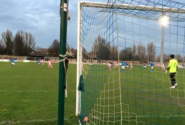 Last minute winner at Grays Athletic keeps Hamlet top of the table