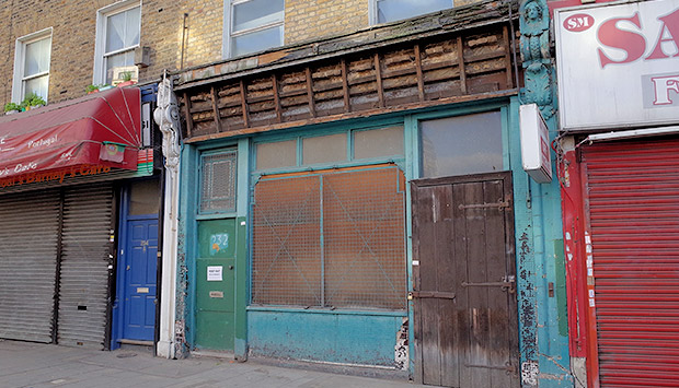 Historic David Greig sign disappears from Coldharbour Lane, Loughborough Junction